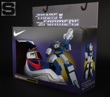 Nike-Transformers-Zoom-Sharkalaid-box